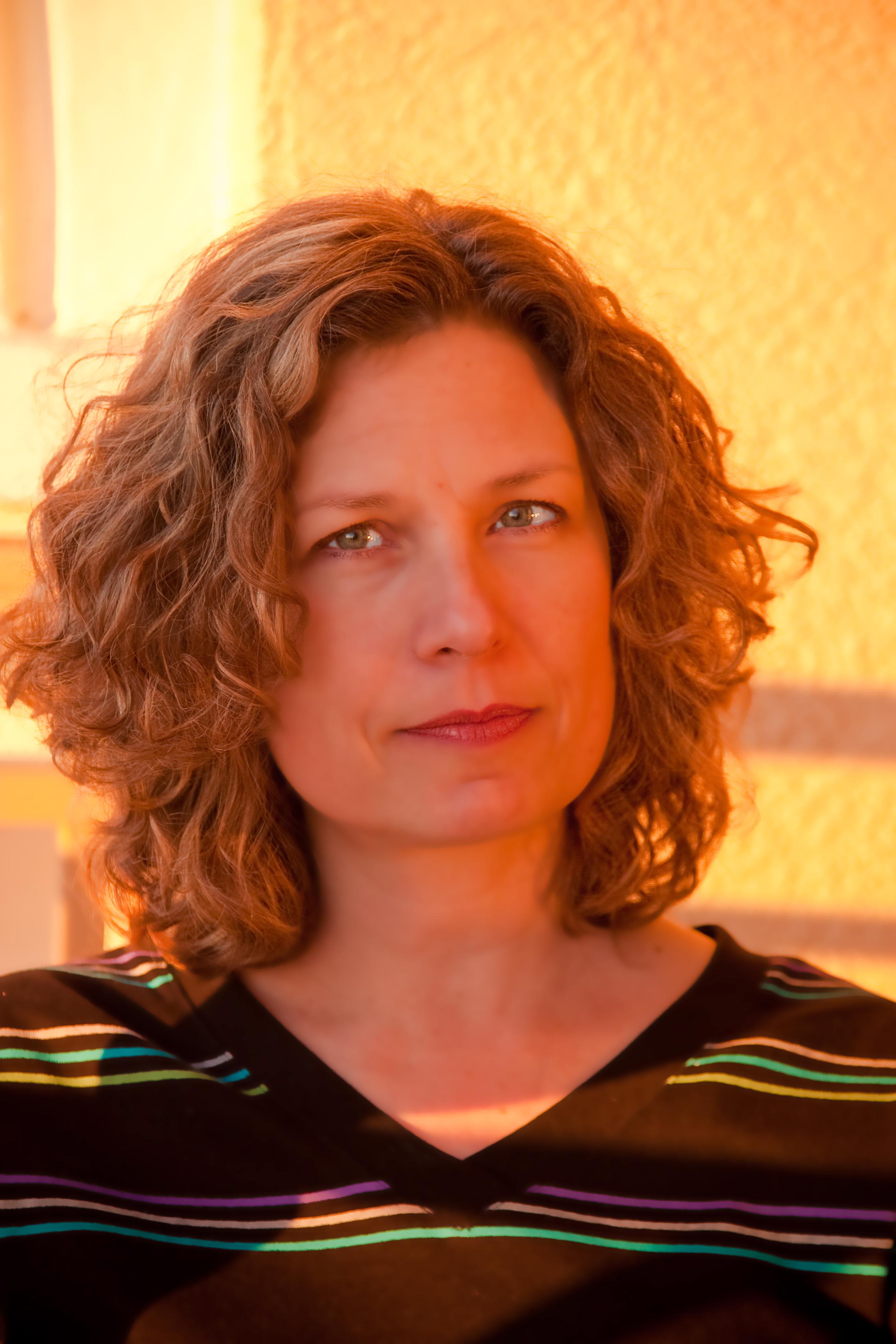 Author Forum: J. Allyn Rosser